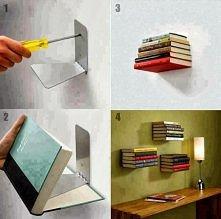 Książki na ścianie