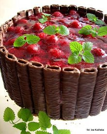 Sernik czekoladowo - orzechowy z malinami - na zimno