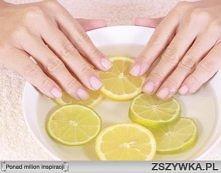 ZABIEGI DLA ZDROWYCH PAZNOKCI: Kąpiel migdałowa (nawilża i regeneruje płytkę) Zmiel 20 migdałów, a następnie zalej połową szklanki letniego mleka i dodaj kilka kropli olejku róż...