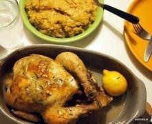 Kurczak pieczony z masłem czosnkowym i tymiankiem to wyjątkowe danie. Mięso jest soczyste i aromatyczne, a soki po pieczeniu stanowią bazę dla dodatku do obiadu, jakim jest pure...