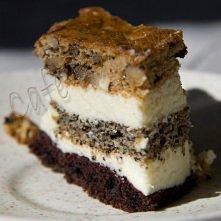 POCAŁUNEK MURZYNA  Ciasto: - 1 szklanka mąki, - 1 szklanka cukru, - 1 szklanka śmietany, - 1 jajko, - 1 łyżeczka sody, - 1 łyżka octu, - 3 łyżki maku, - 2 łyżki kakao, - 2/3 szk...