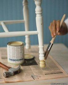 malujemy krzesła. wystarczą gwoździe.