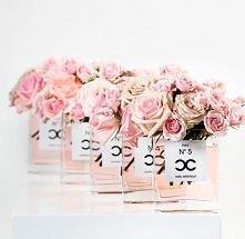 Dekoracje kwiatowe zainspirowane Coco Chanel