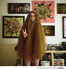Nie ma to jak długie włosy ..
