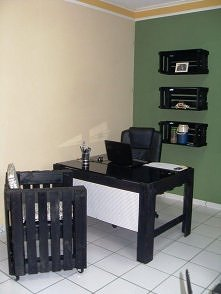 biurko i fotel