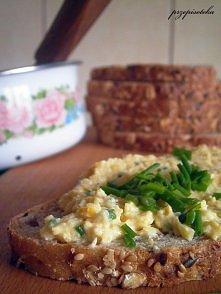 Pasta jajeczno-kukurydziana   Jest idealna na śniadanie :) przepis po kliknięciu w zdjęcie