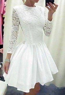 Śliczna sukienka. Wie ktoś ...
