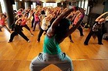 Zumba !!! Taniec zainspirowany połączeniem elementów tańców latynoamerykańskich oraz elementów fitness. Zumba zawiera w sobie elementy tańca i aerobiku. Choreografia Zumby łączy...