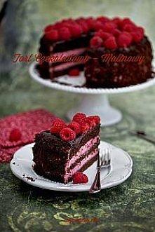 Tort czekoladowo malinowy  ...