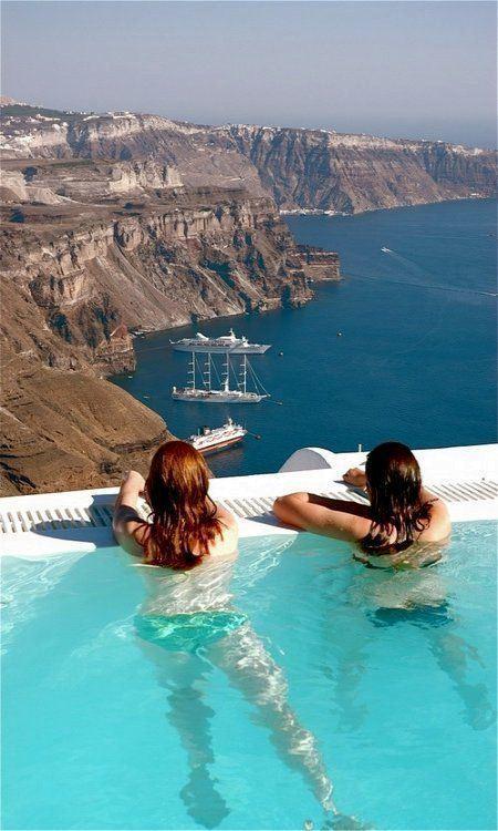 Przy basenie, Santorini, Grecja