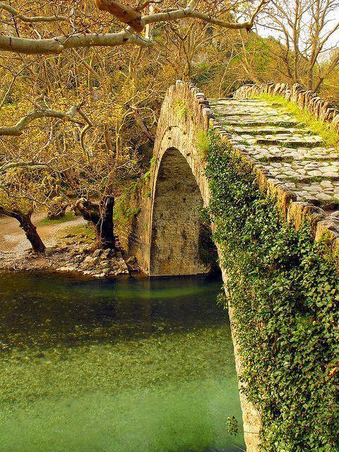 Starożytny kamienny most, Epir, Grecja