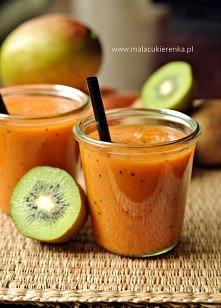 Smoothie z mango, kiwi i marchewką. Przepis po kliknięciu w zdjęcie.