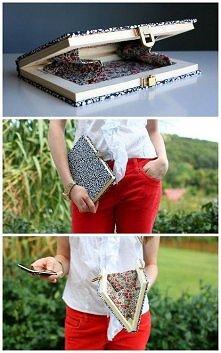 na telefon :) Można zamocować jakoś sznurki by nasza książka na telefon była torebką :)