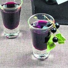 Nalewka z czarnej porzeczki [przepis. Zobacz, jak zrobić nalewkę z czarnej porzeczki Składniki: 1,5 kg czarnych porzeczek (mogą być mrożone) 700 g cukru 0,5 l spirytusu 0,5 litr...