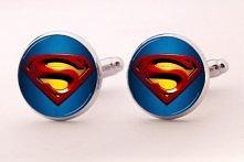 Ślubne spinki do mankietów Superman niebieskie. Idealne spinki do mankietów na ślub - ogromy wybór spinek w butiku online Madame Allure!