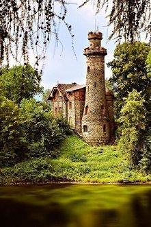 Ancient Castle, Les Kralovstvi, Czechy
