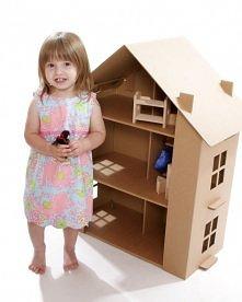 domek dla lalek z kartonu ;)