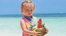 Woda kokosowa może być spożywana praktycznie bez ograniczeń wiekowych, także ...