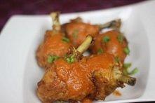 Chrupiące udka to wspaniały przepis na super udka, którym smak dopełni ostry sos w orientalnym charakterze