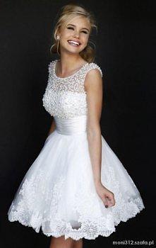 Sukienka na poprawiny. Przepiękna