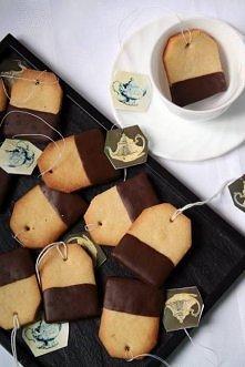 Ciasteczka oblane czekoladą...