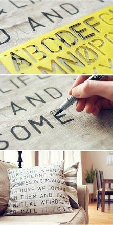 poduszeczka z napisami trzeba mieć tyko pomysł na napis, a literki można napisać odręcznie :))