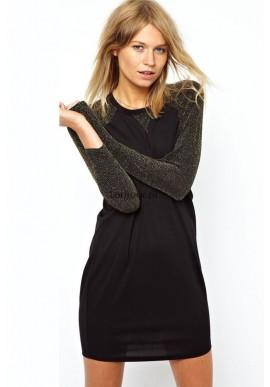 Metaliczna czarna sukienka na długi rękaw  Ciekawa, prosta sukienka dla zdecydowanych kobiet