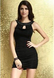 Mini czarna sukienka z ozdobnym dekoltem  Fenomenalna, podkreślająca kształty...