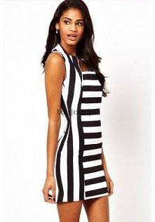 Sukienka w czarno-białe pas...
