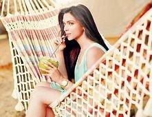 Woda kokosowa znakomicie wpływa na zdrowie. Zapobiega tworzeniu się zatorów, ...