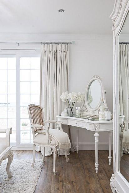 Przepiękna francuska  sypialnia w bieli