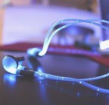 iGlo-słuchawki,które świecą i pulsują w rytm muzyki