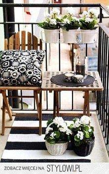 czarno-biały balkon