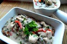 Taste Eat DIETETYCZNIE: Kurczak z pieczarkami w gęstym mlecznym sosie