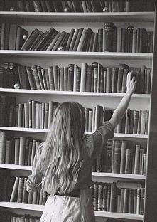 Biblioteka zawsze powinna być pod ręką <3