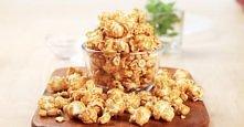 KARMELOWY POPCORN  Składniki:  1dl ziaren kukurydzy do prażenia 2 łyżki oleju...