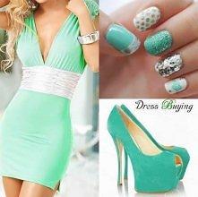 Lubię sukienki, które eksponują atuty *.*
