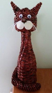 kot z wikliny papierowej