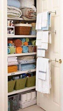 Dobrze zorganizowana bieliźniarka / linen closet