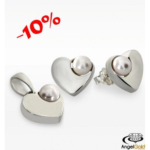 Komplet w kształcie SERDUSZEK wykonany w całości ze srebra próby 925. Zdobiony okazałymi perłami. PROMOCJA -10% TANIEJ!!