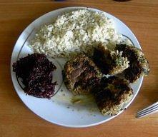 Ryż pełnoziarnisty+buraczki domowej roboty+pulpeciki z indyka z mozzarellą i szpinakiem.