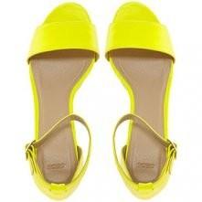 Słoneczne sandałki