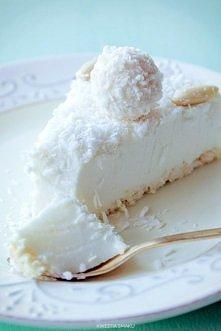 :) ekstra Sernik Raffaello na zimno :) Składniki: Spód: • 100 g wafelków koko...