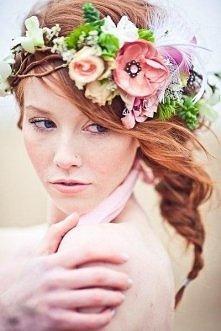 Kwiaty we włosach <3