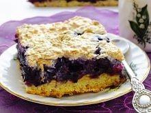 """Kruche ciasto z borówkami i kokosem  Delikatne, rozpływające się w ustach ciasto, łatwe i szybkie do zrobienia, gorąco polecam :)""""  Przepis po kliknięciu w zdjęcie :)"""