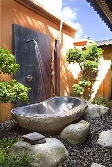 idealny podczas opalania w ogrodzie :)