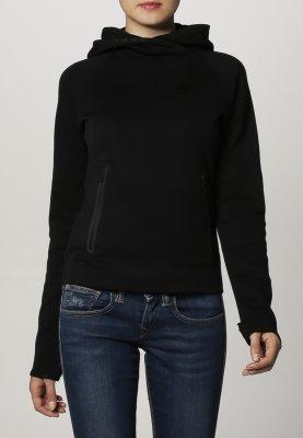 """Poszukuję! Czarna, solidna (nie jakaś szmatka) bluza z kapturem. Tylko w """"przystępnej"""" cenie..."""