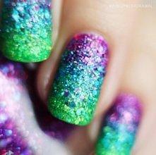Manicure za sprawą KBShimmer :) użyte lakiery: Too Pop To Handle, She Twerks Out i Partners In Lime