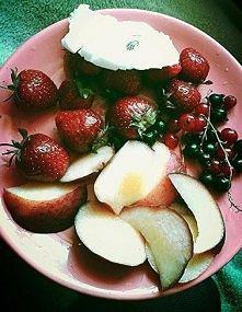 owocki i lód :3 klik w foto.