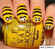 Paznokcie pszczółki :)